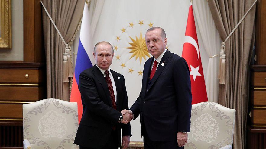تركيا تقول إن موسكو وأنقرة ربما تتعاونان في مشاريع دفاعية أخرى بجانب نظام إس-400