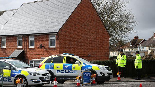 Polícia mantém-se a guardar o perímetro em torno da casa de Sergei Skripal