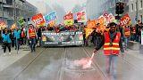 Fransa: Grevin ilk gününde yolcuların çilesi