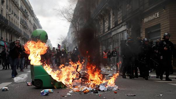Terça-feira negra em França: caos nas estações de Paris
