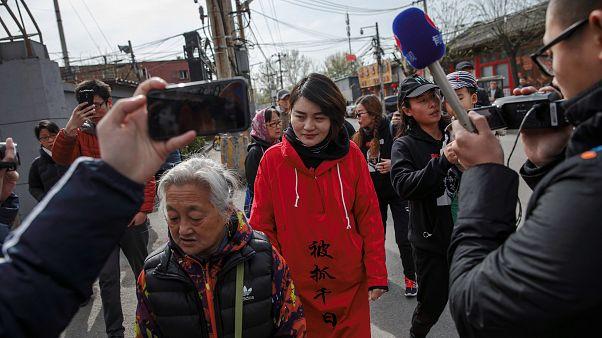 100 كيلومتر على الأقدام لإجبار السلطات الصينية على توضيح موقفها