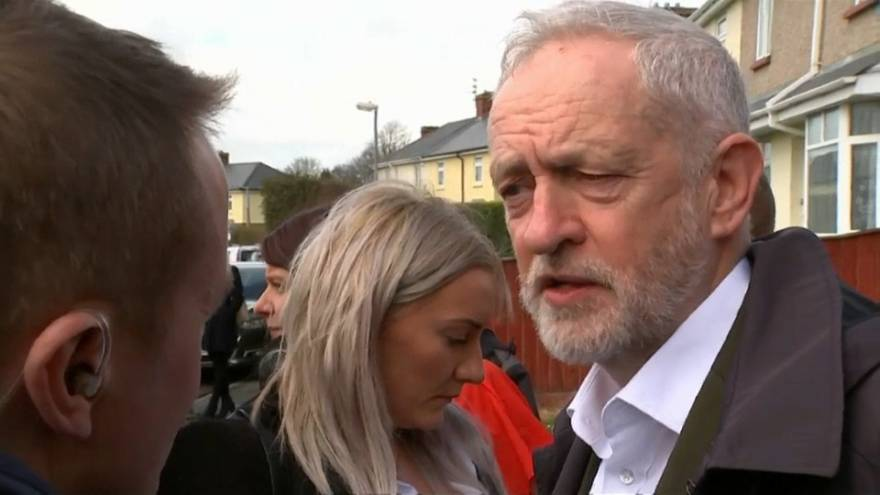 """Corbyn struggles to shake off """"Labour antisemitic"""" tag"""
