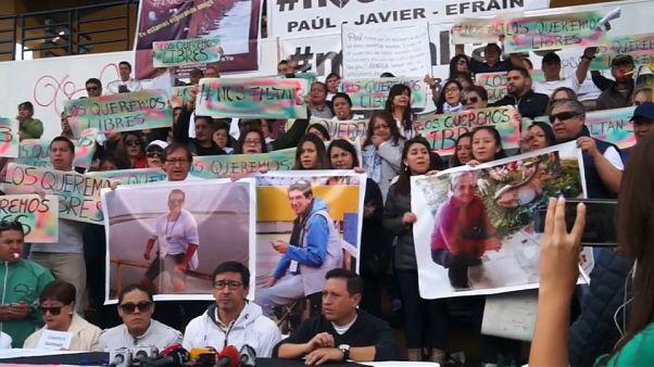 Los familiares de los periodistas secuestrados piden cautela a los medios
