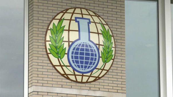 La Organización para la Prohibición de las Armas Químicas se reúne con Rusia en La Haya