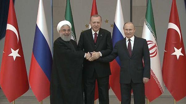 """Russia, Iran e Turchia concordano: """"Accelerare sforzi per tregua in Siria"""""""