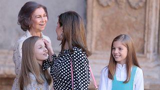 شاهد: هل يوجد صراع خفي بين الملكة والملكة الأم في اسبانيا؟