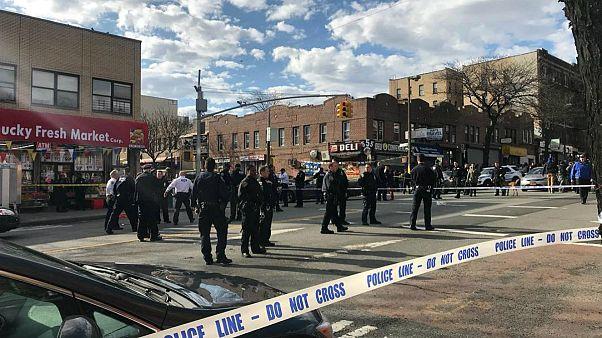 پلیس نیویورک یک مرد سیاهپوست را با شلیک ده گلوله از پای درآورد