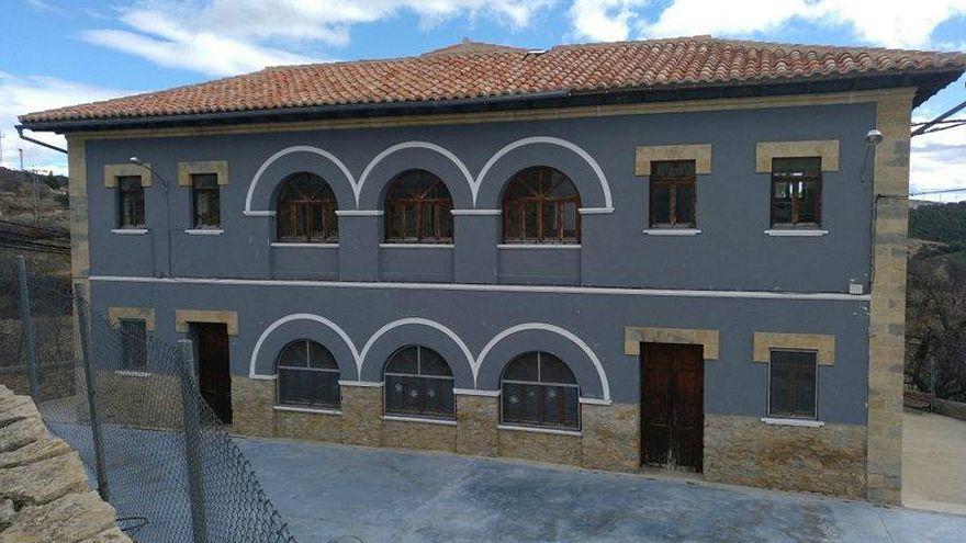 Un pueblo español ofrece trabajo y alquiler de 50 euros al mes a cambio de salvar su escuela