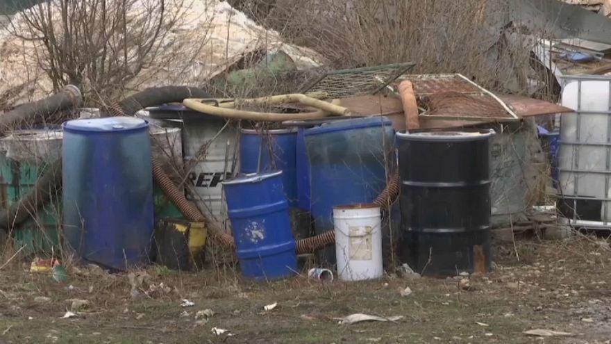 Toneladas de lixo tóxico na Sérvia: Um problema de décadas