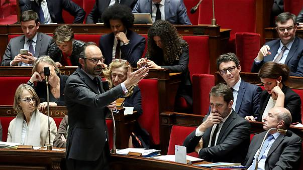 France to cut 30% of its MPs and introduce proportional representation