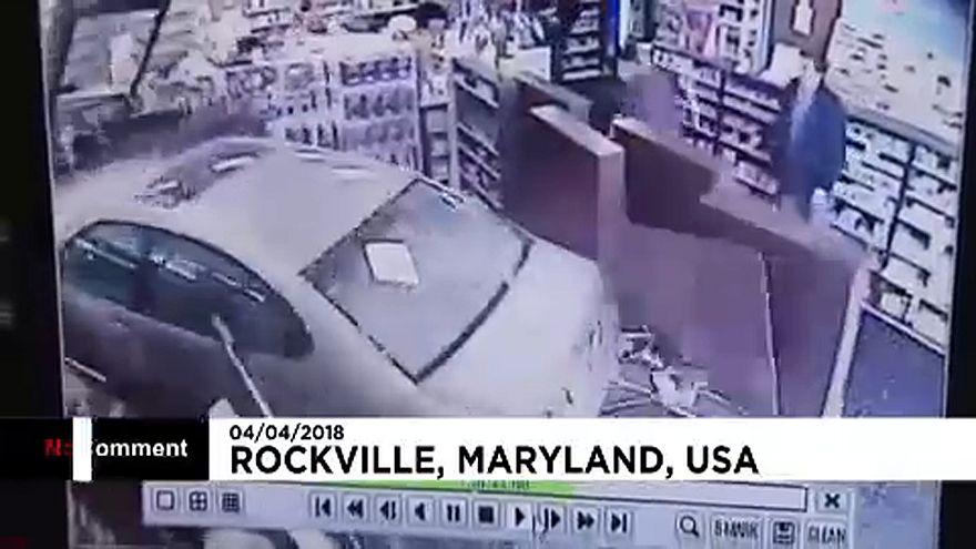 Patikába csapódott egy autó