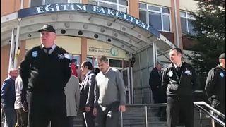 Τέσσερις νεκροί από πυρά σε πανεπιστήμιο της Τουρκίας
