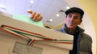 Olvídate de las noticias falsas, las elecciones húngaras tienen un problema de partidos falsos