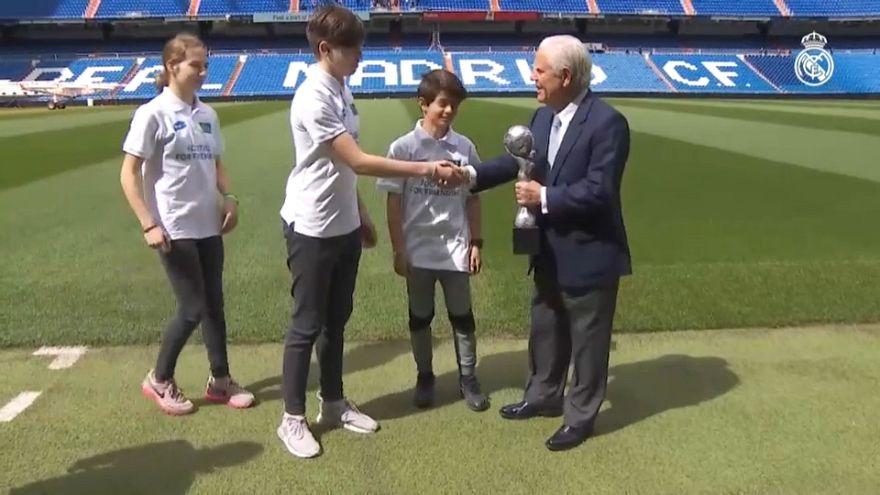 Futbola gönül veren gençler 'F4F Dostluk İçin Futbol Turnuvası'nda buluştu