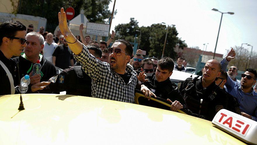 Uber Yunanistan'da faaliyetlerinin bir kısmını durdurdu