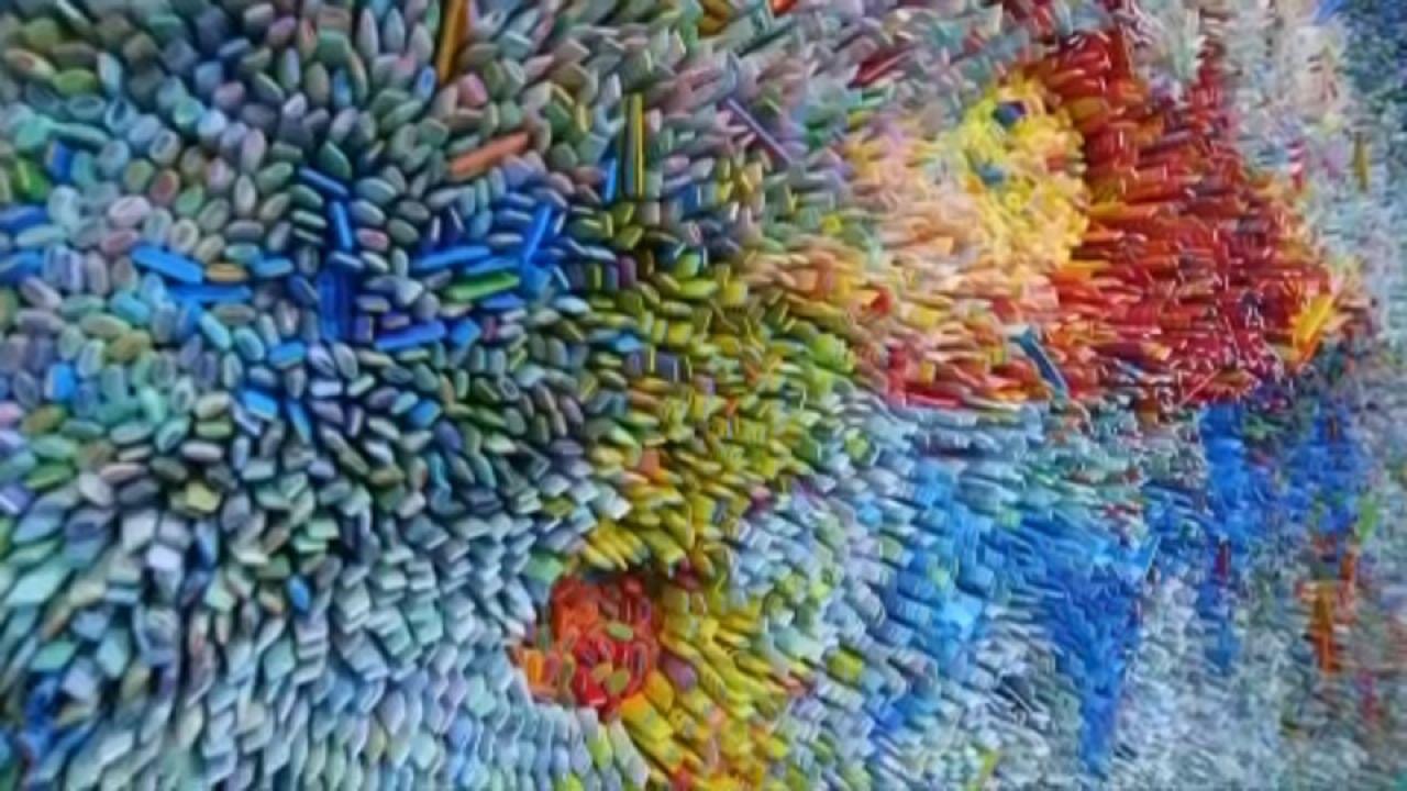 Univerzum több ezer papírrolóból