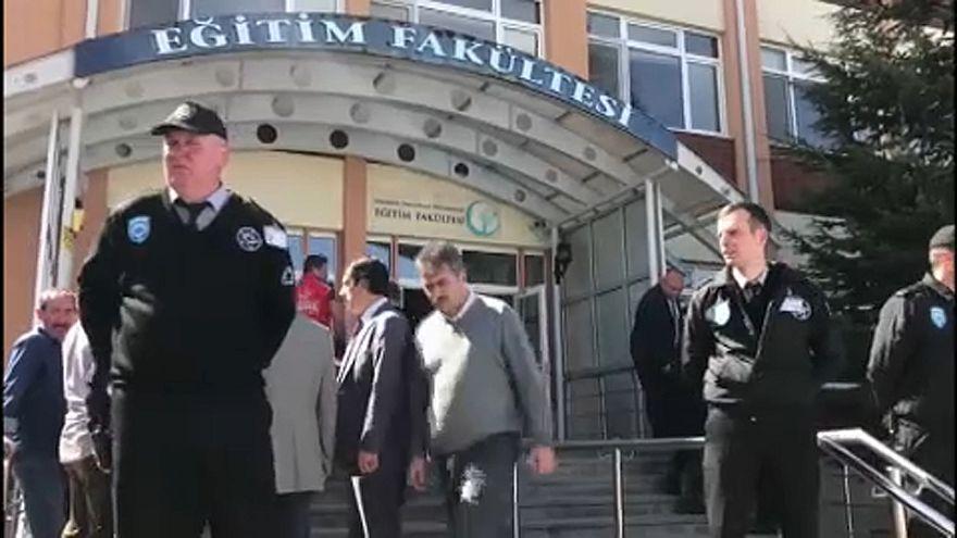 Lövöldözés egy török egyetemen