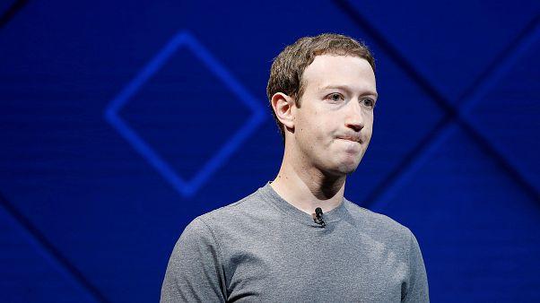 Zuckerberg cerca di salvare la faccia
