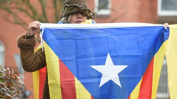Katalanischer Ex-Regierungschef Carles Puigdemont kommt unter Auflagen frei
