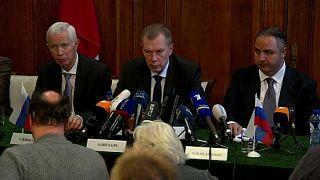 Alexander Shulgin (centro), embaixador russo na OPCW