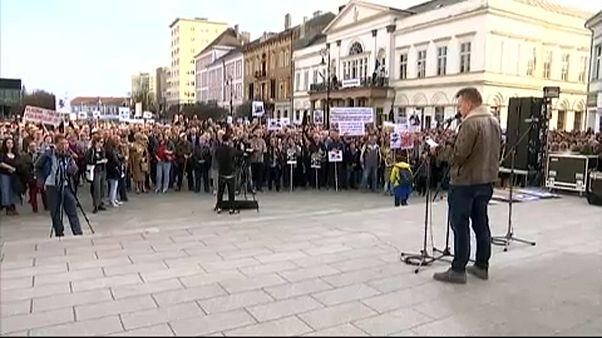 Újabb tüntetések Szlovákiában