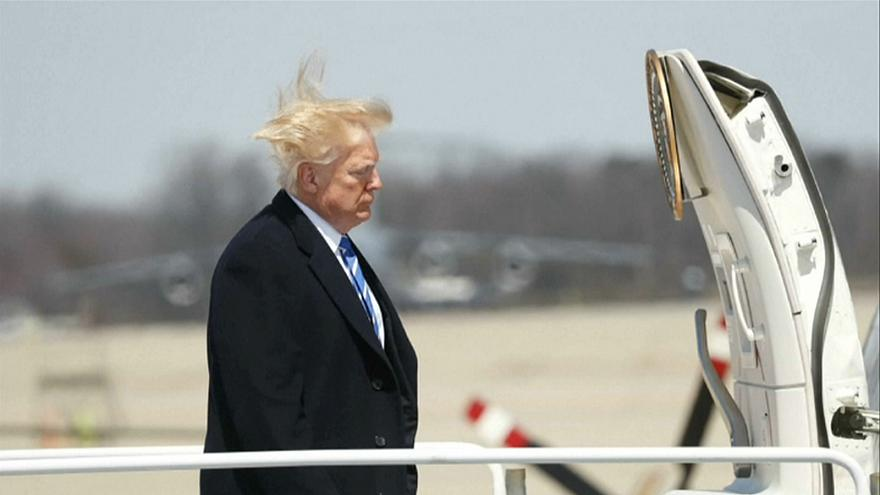 شاهد: الرياح القوية تعصف بشعر دونالد ترامب