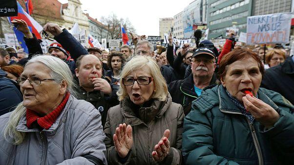 Slovakya'da gazeteci Jan Kuciak için gösteri düzenlendi