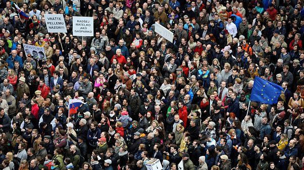 Slowakei: Zehntausende demonstrieren erneut gegen Regierung