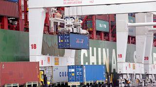 Trump devuelve el golpe a China en la guerra comercial