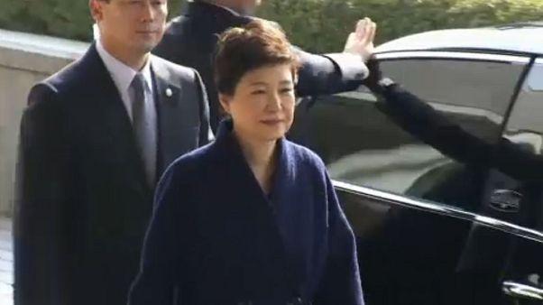 Ν. Κορέα: Σε κάθειρξη 24 ετών καταδικάστηκε η πρώην πρόεδρος Παρκ Γκουν-χιέ