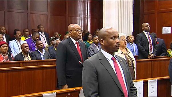 رئيس جنوب إفريقيا يمثل أمام المحكمة بتهم الفساد