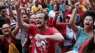 Δεν προτίθεται να παραδοθεί ο Λούλα