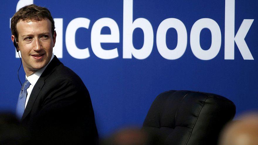 EU-s biztos: milliókat manipuláltak a Facebookon keresztül