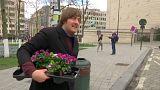 Des fleurs sur des nids de poule à Bruxelles