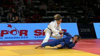 دیستریا کراسنیکی، جودوکار کوزوویی برنده مدال طلا در آنتالیا