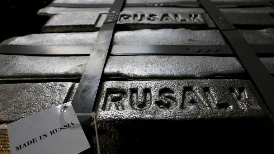 Orosz oligarchákat büntet Washington