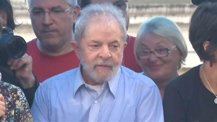 Brasile, scade l'ultimatum e Lula non si arrende alla polizia