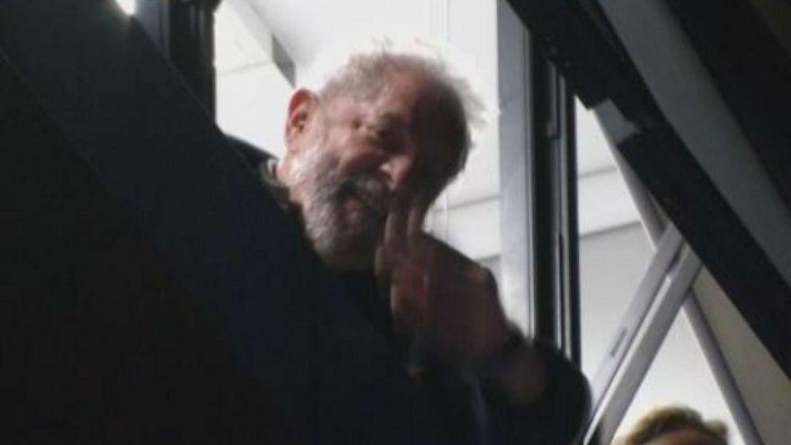 Brazil: Lula 'negotiating surrender' to police to serve jail sentence