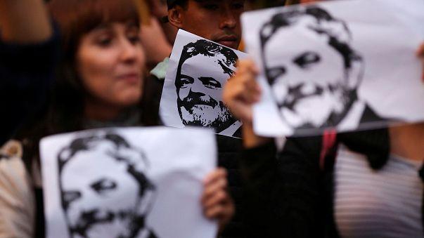 رغم انقضاء المهلة المحددة، رئيس البرازيل السابق لولا يرفض تسليم نفسه إلى القضاء