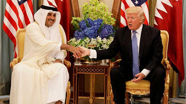 """أمير قطر يلتقي بقائد القيادة المركزية الأميركية لبحث جهود """"مكافحة الإرهاب"""""""
