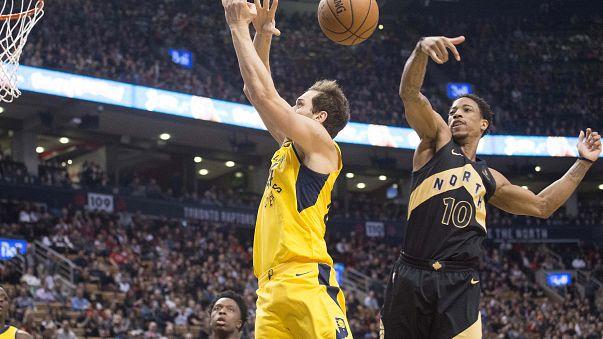 NBA: Raptors'tan tarihi bir ilk