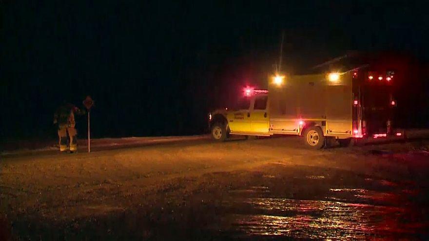 إصطدام شاحنة وحافلة يودي بحياة فريق للهوكي في كندا