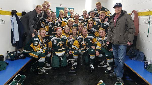 Kanada genç hokeycileri için yasta