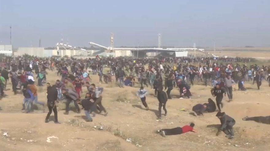 Scontri al confine israeliano: 29 palestinesi uccisi, anche un giornalista
