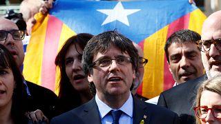 «Η Μαδρίτη να σεβαστεί τη Δημοκρατία»