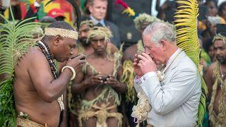 شاهد كيف استقبل سكان جزيرة فانواتو الامبر تشارلز!