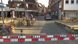 Tömegbe hajtott egy furgon a németországi Münsterben