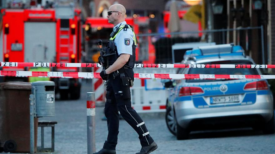 Atropelamento em café de Munster faz dois mortos e 20 feridos