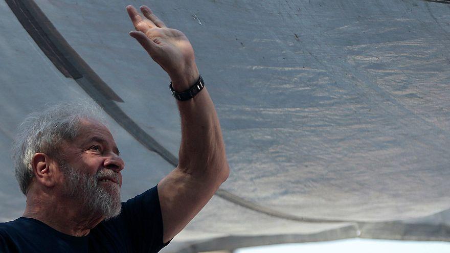 Brezilya Eski Devlet Başkanı Lula teslim olacağını açıkladı