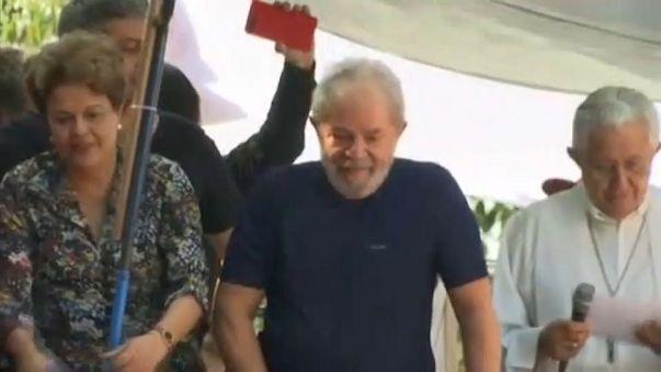 """رئيس البرازيل السابق """"لولا دا سيلفا"""" يقول إنه سيسلم نفسه للعدالة"""